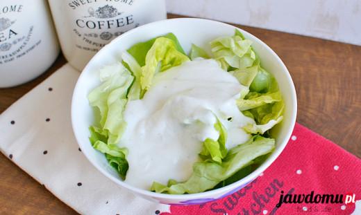 Sałata z jogurtem