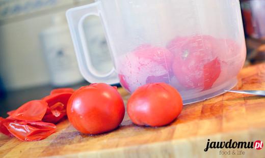 Jak obrać pomidory ze skóry?